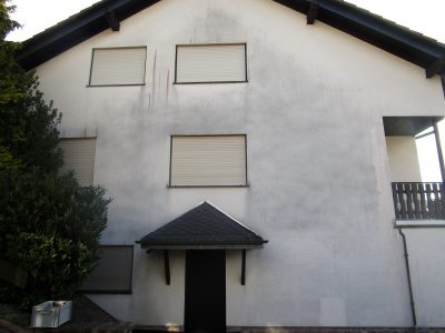 Schmutzige Hausfassade
